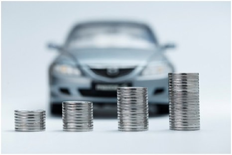 alquilar un coche por un año