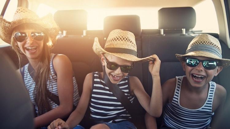 Viajar largos trayectos en coche con niños